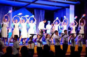 """Musical AG der Mittel- und Oberstufe """"Das Weiße Rössl"""" aus dem Schuljahr 2014/15"""