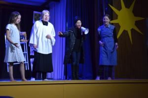 "Theater AG 5/6 ""Ritter Don Quixote""  aus dem Schuljahr 2014/2015"